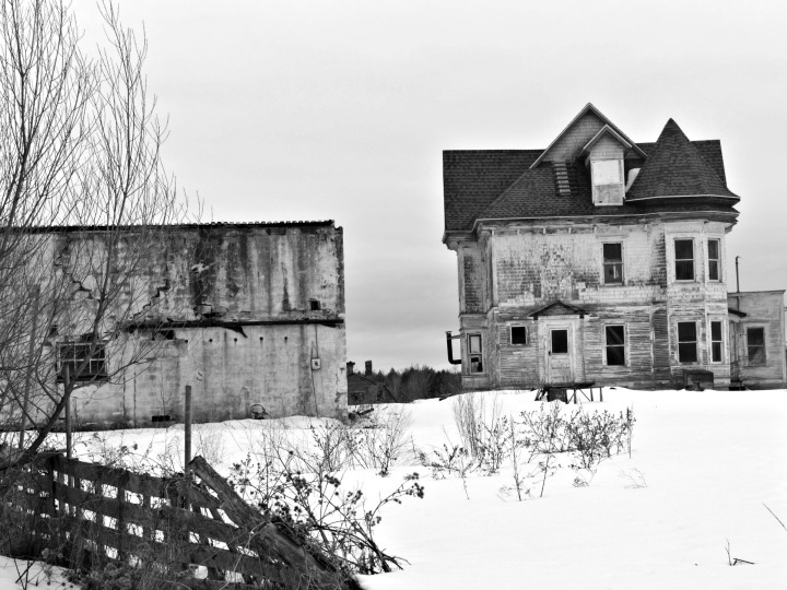 EXPLORING THE ABANDONED TOWN OF BOSCOBEL,QUEBEC