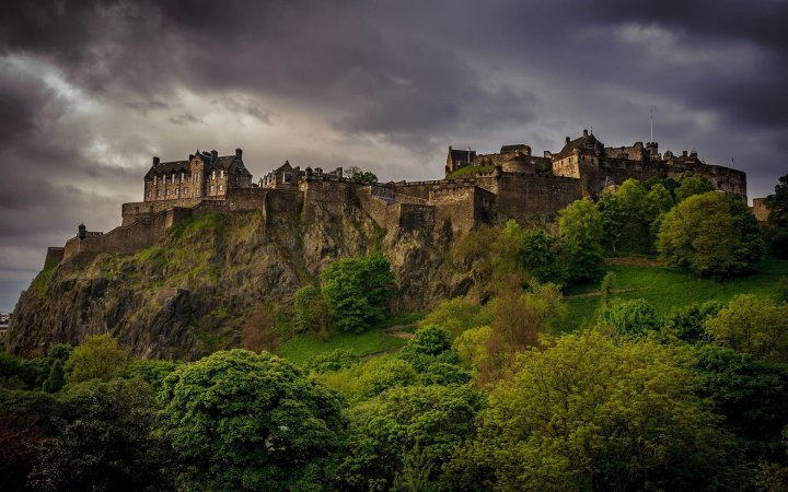 edinburgh-castle-edinburgh-scotland-united-kingdom-europe