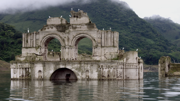 MOST STUNNING YET EERIE ABANDONED PLACES AROUND THE GLOBE