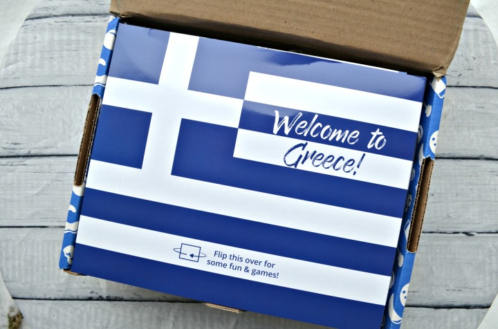UNIVERSAL YUMS | TRYING SNACKS FROM GREECE