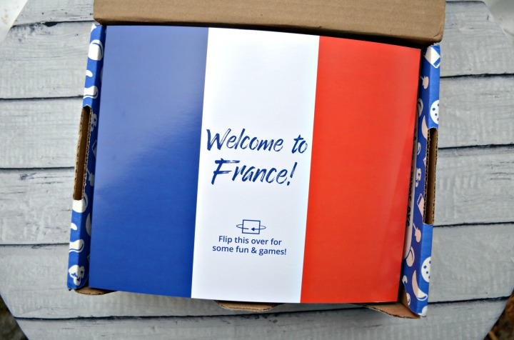UNIVERSAL YUMS | TRYING SNACKS FROMFRANCE