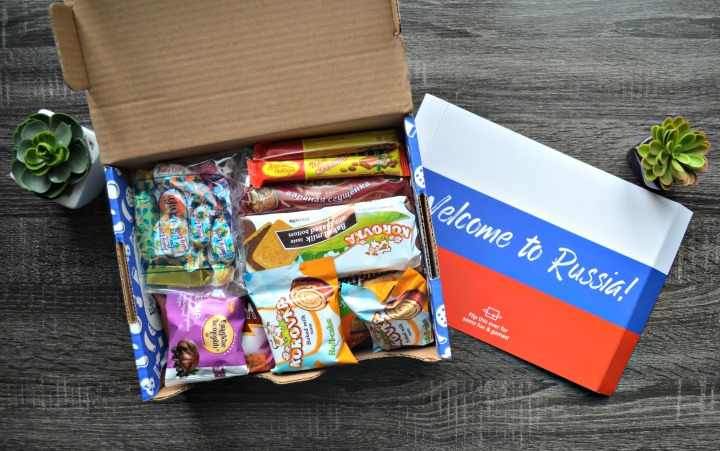 UNIVERSAL YUMS | TRYING SNACKS FROM RUSSIA