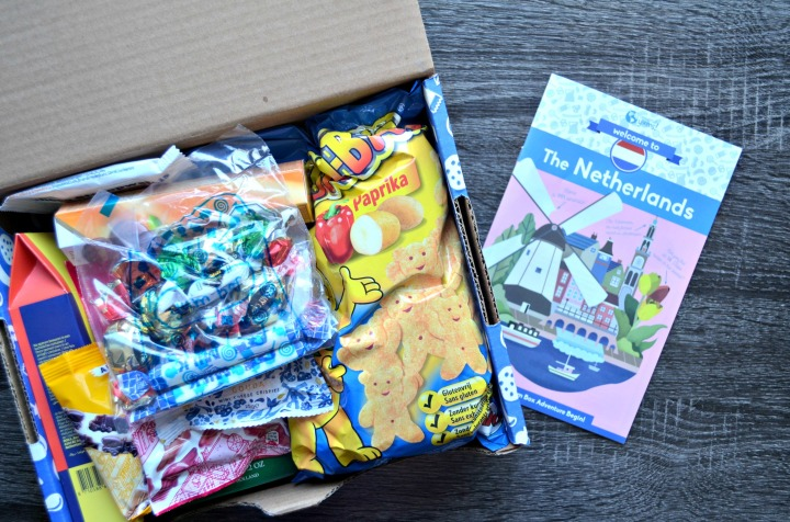 UNIVERSAL YUMS | TRYING SNACKS FROM THENETHERLANDS