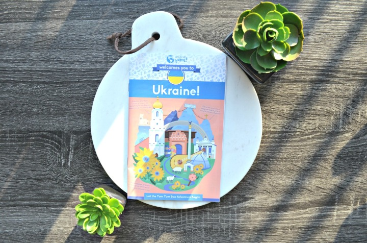 UNIVERSAL YUMS | TRYING SNACKS FROM UKRAINE